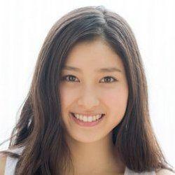 大人気女優の土屋太鳳さん!!その笑顔に賛否両論!?その謎を解説!のサムネイル画像