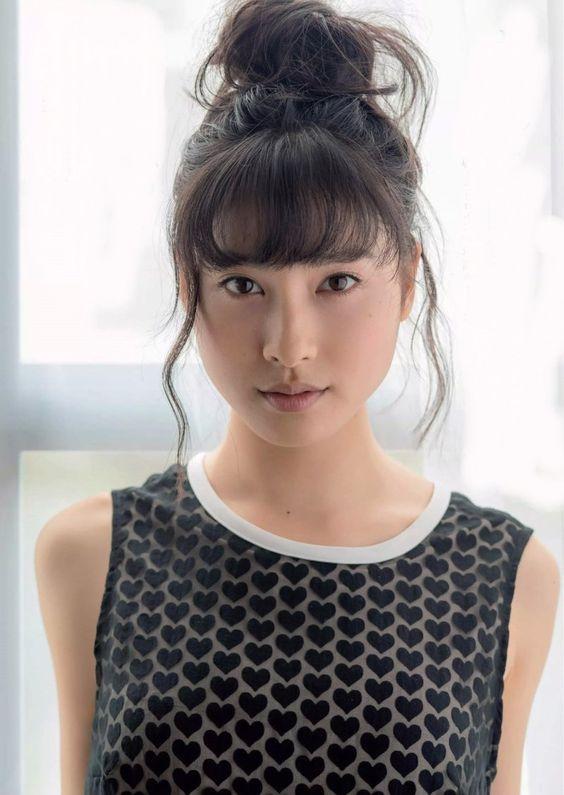 ドラマ、CMに大活躍の土屋太鳳さん!!子供時代はわんぱく少女?のサムネイル画像