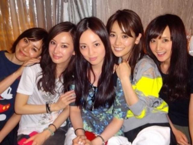 北川景子&安座間美&小松彩夏ら「セーラームーン戦士の会」を♡のサムネイル画像