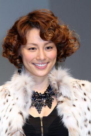 自由自在!米倉涼子に学ぶ、ショート髪型アレンジ大辞典!!のサムネイル画像
