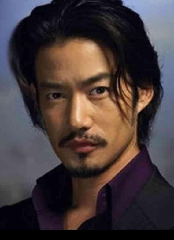 結婚したい俳優に常に上位ランクインの竹野内豊の歴代恋人!のサムネイル画像