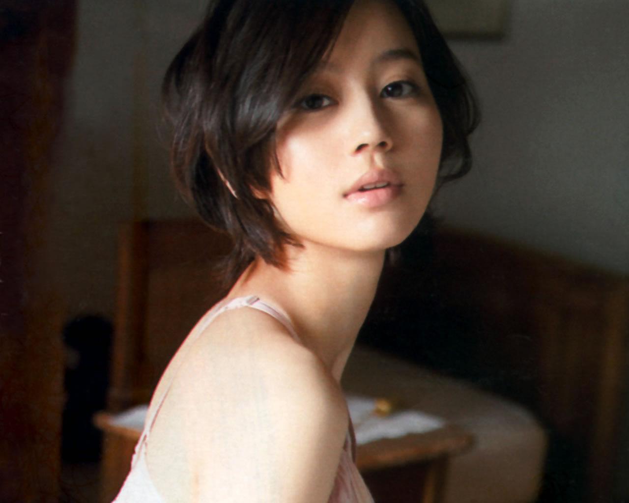 【変幻自在】女優・堀北真希がドラマで魅せる役柄をまとめました!のサムネイル画像