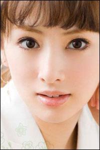 なりたい顔No.1の北川景子が愛用するカラコン&メイクでモテ女子に!のサムネイル画像