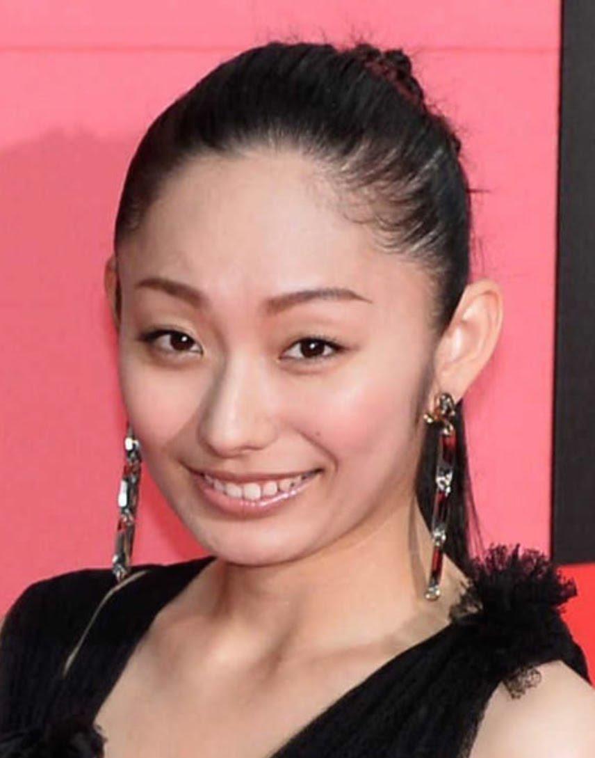 若すぎるっ!安藤美姫のセーラー服姿が話題!「本物のJKみたい」のサムネイル画像