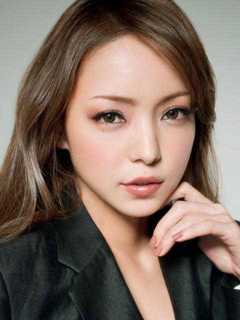 美声の持ち主で大人気の歌手!安室奈美恵の人気のアルバムを公開!のサムネイル画像