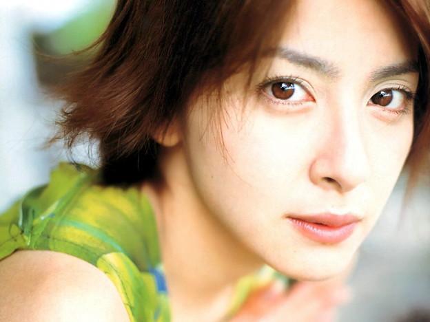 魔性の女・奥菜恵、ブブカ衝撃写真で清純派少女から転落の過去のサムネイル画像