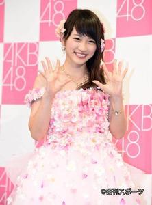 【AKB48・川栄李奈】卒業公演を終える…涙&笑顔でメンバーも送る…のサムネイル画像