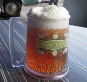 ハリーポッターエリアで人気のバタービールが自宅で味わえる!!のサムネイル画像