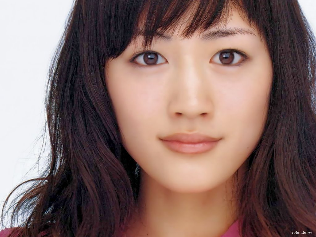綾瀬はるかの人気の映画をランキングにしました!1位~5位まで!のサムネイル画像