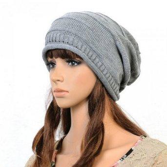 冬が来る前に知りたい!レディース・ニット帽のお洒落な被り方!のサムネイル画像