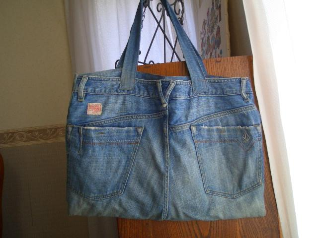 丈夫で使いやすい!可愛くて機能的なデニムのバッグが大人気☆のサムネイル画像