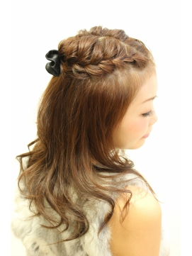 【デート用ヘアアレンジ】とにかく今は編み込みヘアがおすすめ!のサムネイル画像
