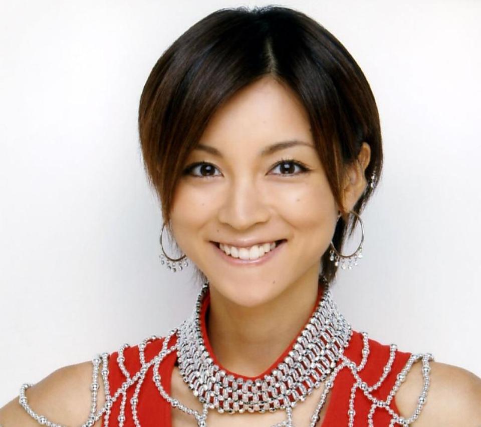 元モー娘。の正統派美少女・吉澤ひとみが整形していると話題に!のサムネイル画像