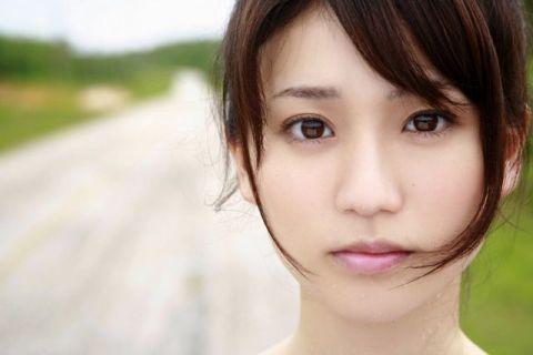 大島優子の足が短すぎる!?短足疑惑を検証してみました!!のサムネイル画像