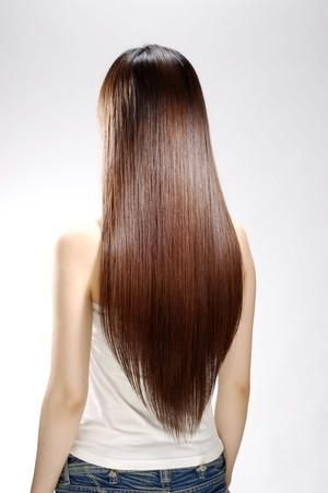 パサパサ傷んだ髪とはさようなら!髪の毛をさらさら綺麗にする方法のサムネイル画像