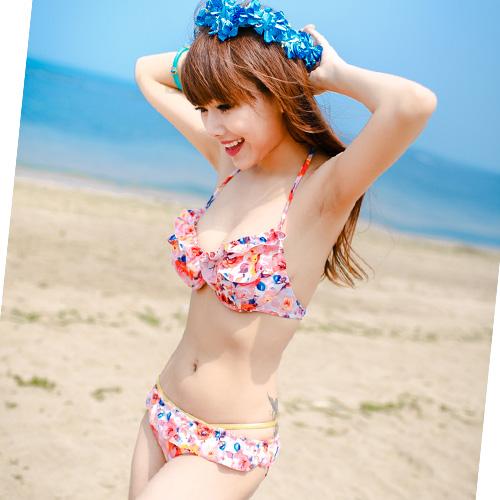 【水着】体型カバーで気になる部分をスタイルをよく魅せる水着とは?のサムネイル画像
