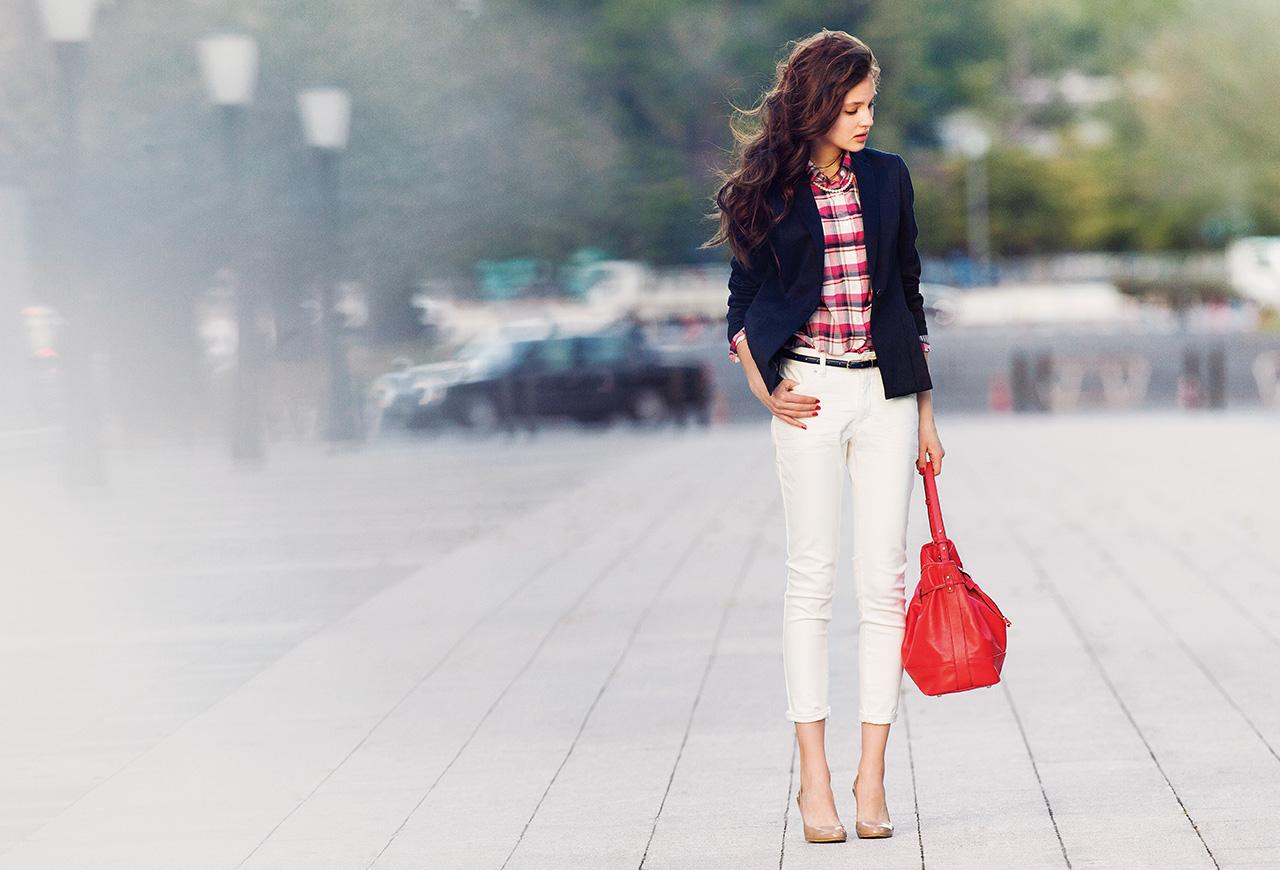 働く女性必見!人気のオフィスカジュアルのブランドを年代別に紹介!のサムネイル画像