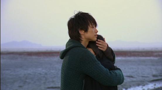【彼氏とのハグが一番好き】もっと彼氏とハグする方法を紹介します!のサムネイル画像