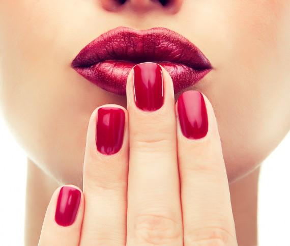 《口紅の正しい塗り方》をマスターして、もっと魅力的なワタシに♡のサムネイル画像
