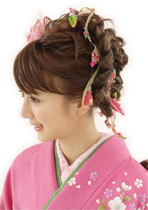 振袖に似合う髪型を大研究!!定番スタイルから個性的スタイルまでのサムネイル画像