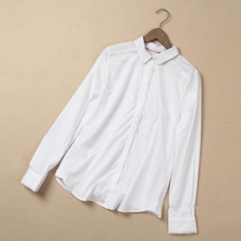 着まわし力抜群!爽やかな白シャツをコーデに取り入れよう☆のサムネイル画像