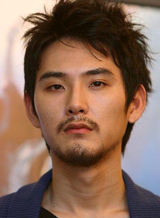つかみどころのない男前個性派俳優、松田龍平ってどんな性格?のサムネイル画像