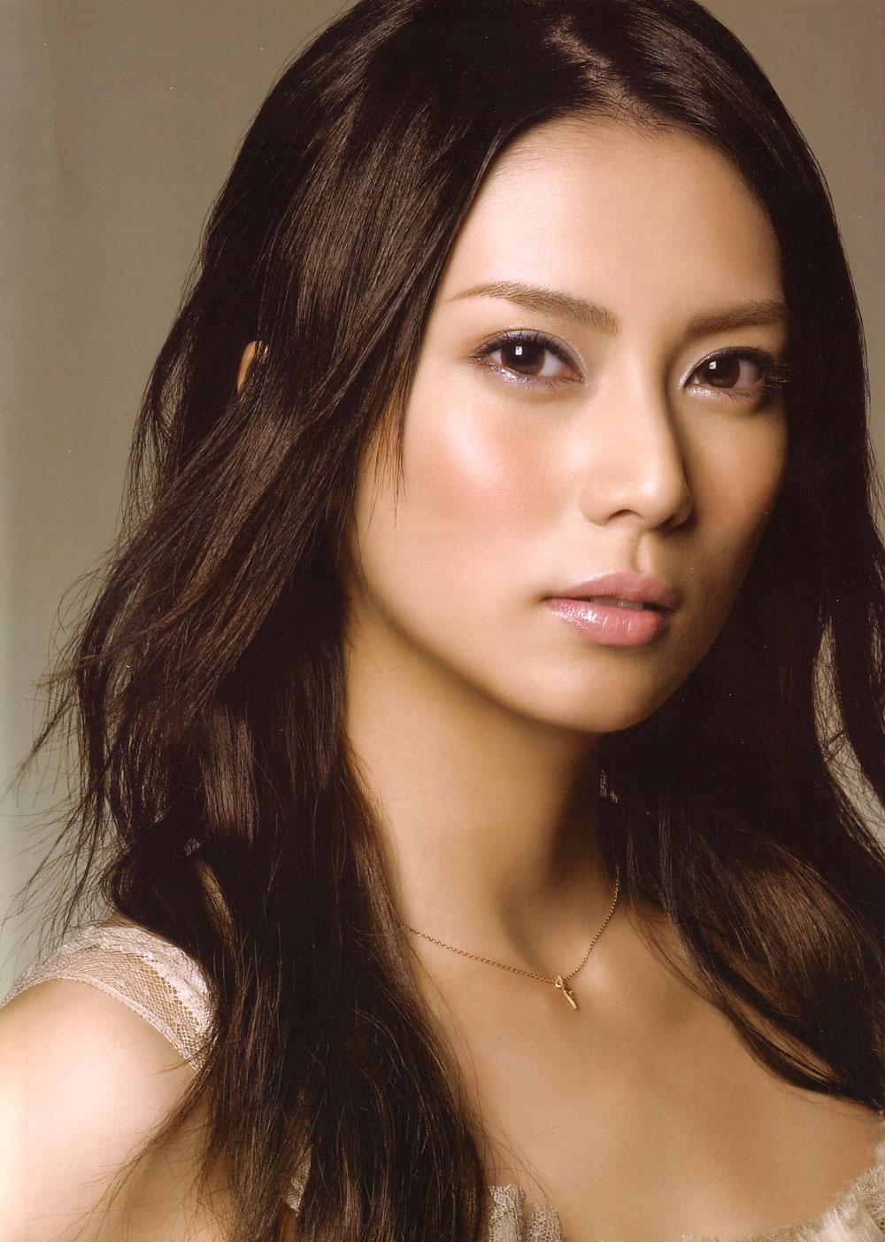 女優・柴咲コウは歌手としても大活躍していた!!代表曲とは?のサムネイル画像