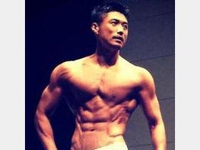 【筋肉美】金子賢さんの体がすごすぎる!もはや彫刻レベル!!のサムネイル画像