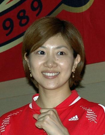 【オグシオのシオの方】元バドミントン選手、潮田玲子の画像まとめのサムネイル画像