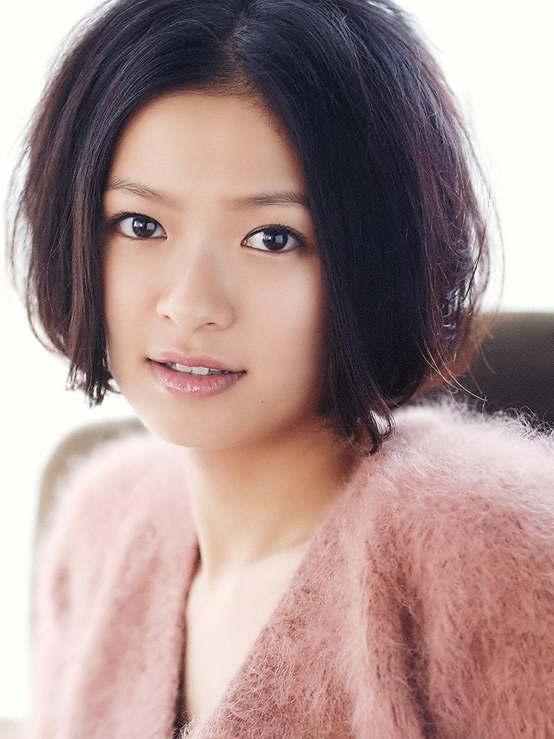 モデルから女優へ転身した榮倉奈々。その秘訣は性格の良さにあり!のサムネイル画像