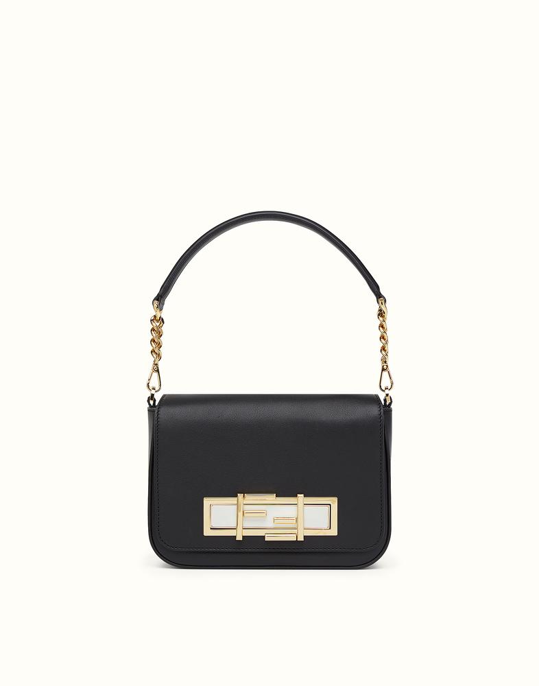 黒のバッグは何にでも合う!ブランド別お勧めの黒のバッグ!のサムネイル画像