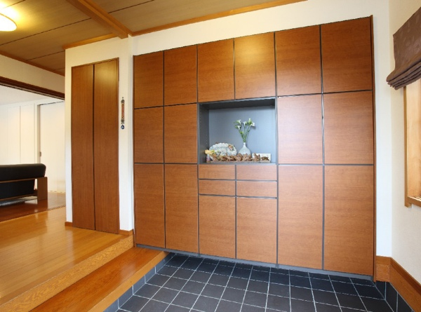 玄関収納をDIYしてすっきり☆憧れの壁面収納もDIYできるんです!のサムネイル画像