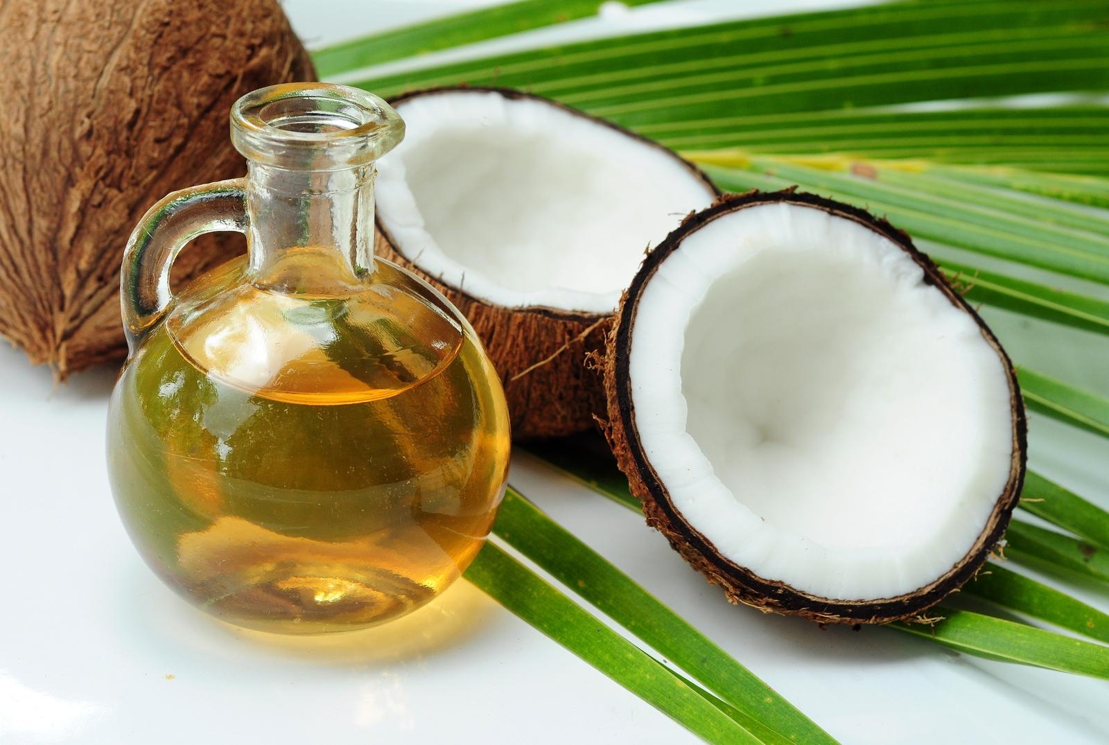 ココナッツオイルは美容だけじゃない!美味しく食べるレシピはコレ!のサムネイル画像