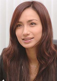 『花より男子』から早10年。佐田真由美さんの美しさの秘訣とは?のサムネイル画像