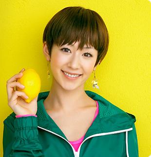 超個性的!歌手、木村カエラの独特な髪型を集めてみました!のサムネイル画像