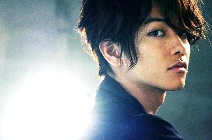 【画像あり】イケメン俳優佐藤健のおすすめ映画をまとめてみました!のサムネイル画像