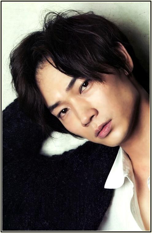 今をときめく人気俳優、綾野剛さんの画像が90枚以上!数多く集めましたのサムネイル画像