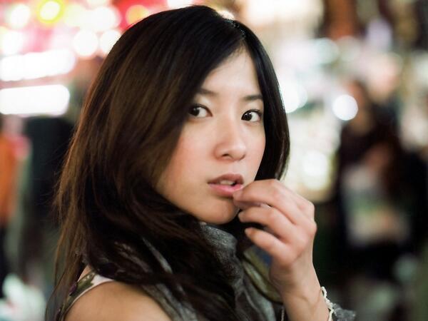 『蛇にピアス』で話題!どんな役でもこなす吉高由里子の出演映画4選のサムネイル画像