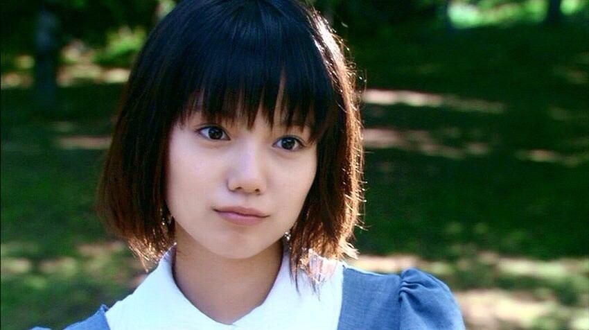 【女優・宮崎あおい】アラサーに見えない!かわいい写真まとめてみたのサムネイル画像