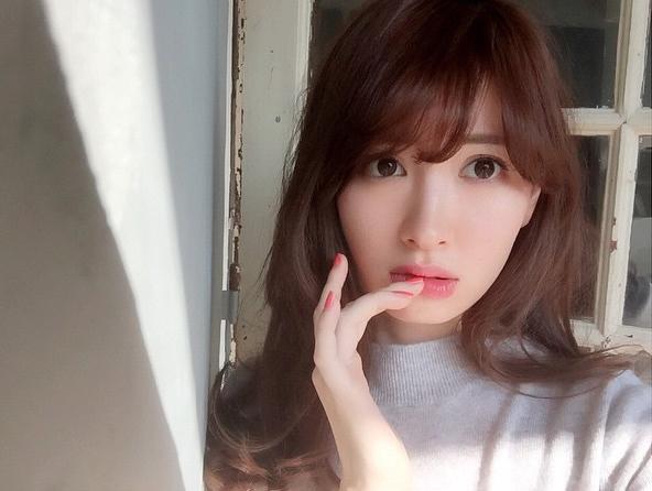【AKB48・小嶋陽菜】魅了するかわいい姿にピリオドなし!写真まとめのサムネイル画像