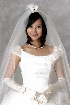 電撃結婚した新妻!実力派女優・堀北真希の可愛いすっぴん画像集!のサムネイル画像