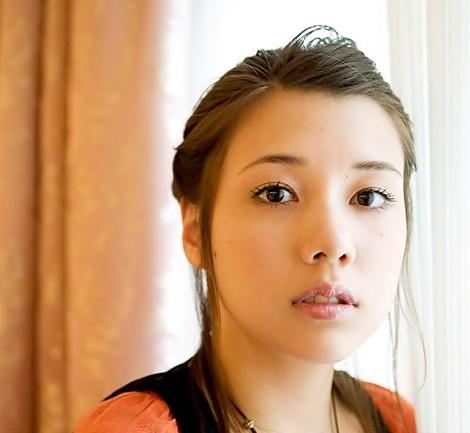 【画像あり】女優・仲里依紗・個性派キャラはどこから?過去~今までのサムネイル画像