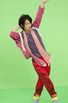 【ロッテ「Fit's」CM動画まとめ】必見!佐藤健のダンスに注目☆のサムネイル画像