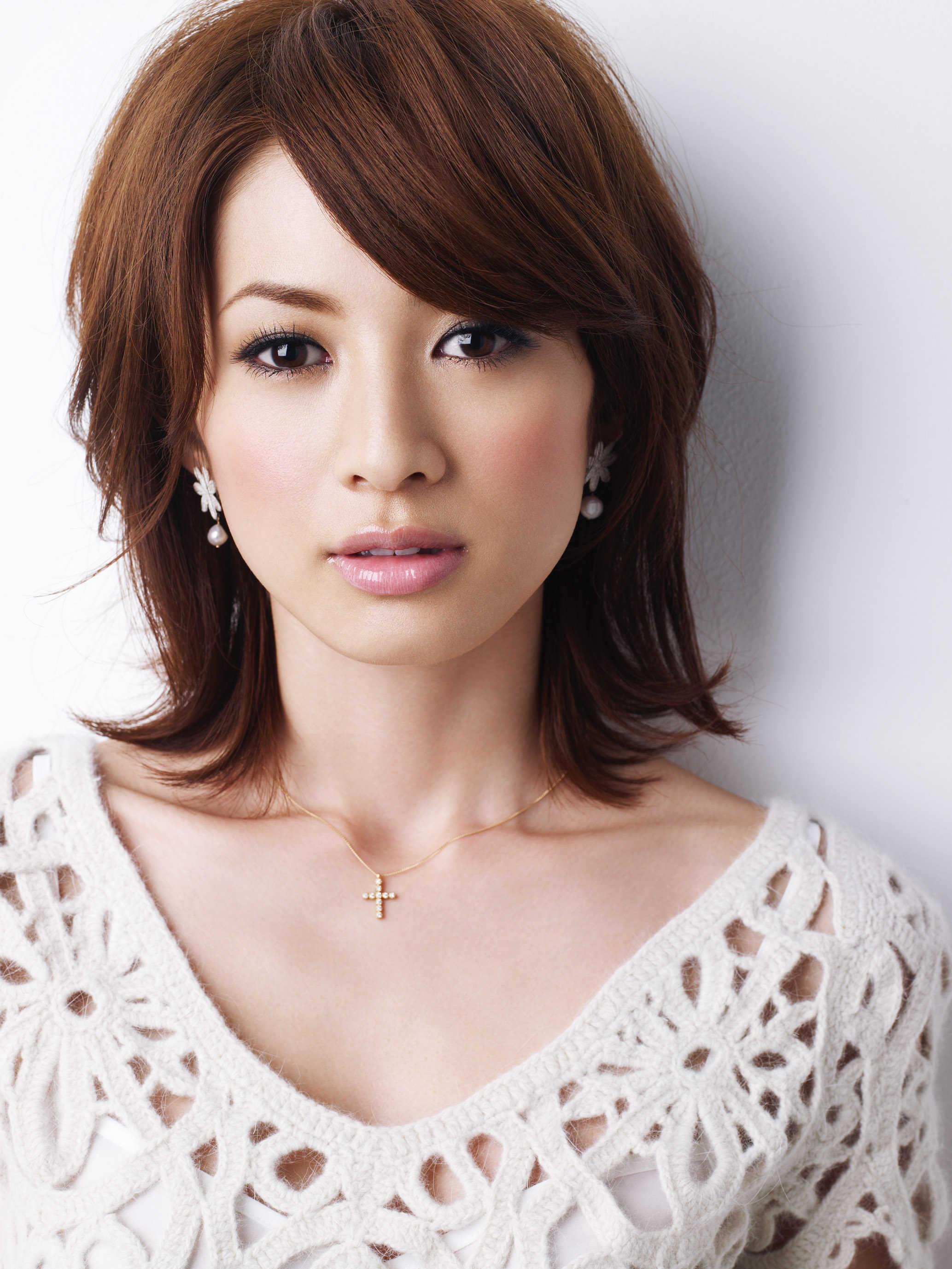 AneCan専属モデル!30代が真似したい高垣麗子のヘアスタイル♪のサムネイル画像