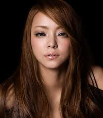 歌姫【安室奈美恵】の年齢は?いつまでも変わらないその秘訣に迫る!のサムネイル画像
