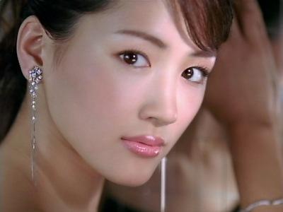 綾瀬はるかはぱっつん前髪から大人な前髪までどんなのでも似合う!のサムネイル画像