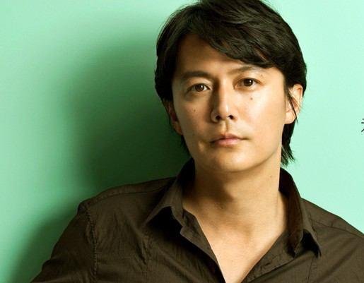 俳優・歌手として活躍し続けている福山雅治のCMソング特集☆のサムネイル画像