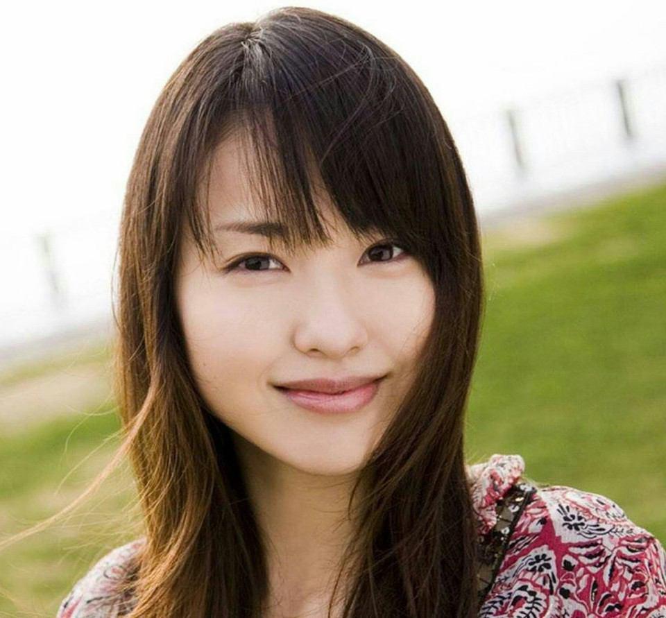 ナチュラルで透明感のある美人、戸田恵梨香!メイク術を学ぶ!のサムネイル画像