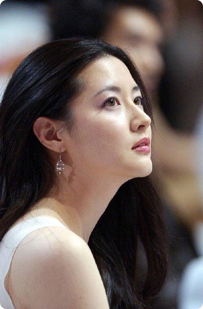押さえておきたい!韓国の代表的な女優たち【活動タイプ別】のサムネイル画像