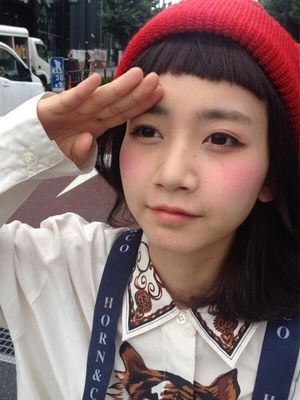 【大人気!読者モデル☆】三戸なつめのぱっつん短め前髪が可愛い♪のサムネイル画像